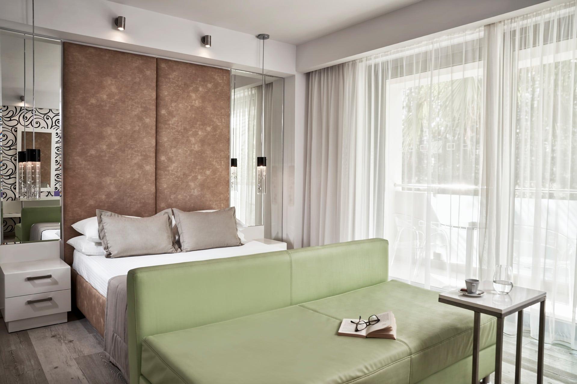 list-premium-deluxe-room